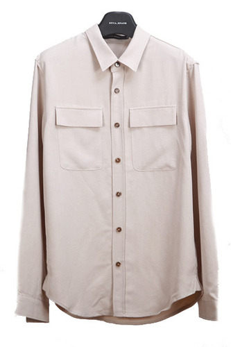 beige two poket silket shirt(장근*,엑* 카* 공항패션)